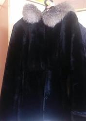 Продам мутоновую черную шубу женскую